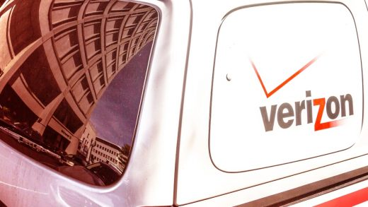 Major Verizon outage plagues wireless customers across the South, Midwest