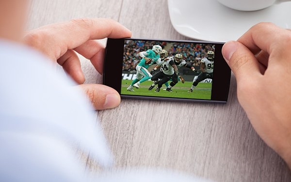 'Mobile-First' Generations Driving Adoption Of Streaming Sports Content | DeviceDaily.com