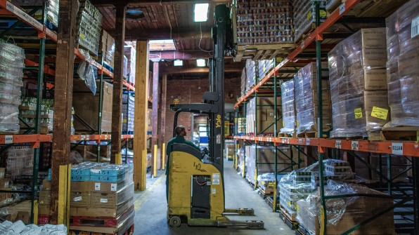 How food banks are taking on the growing world hunger problem   DeviceDaily.com
