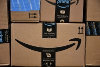 Amazon increases its minimum wage to $15