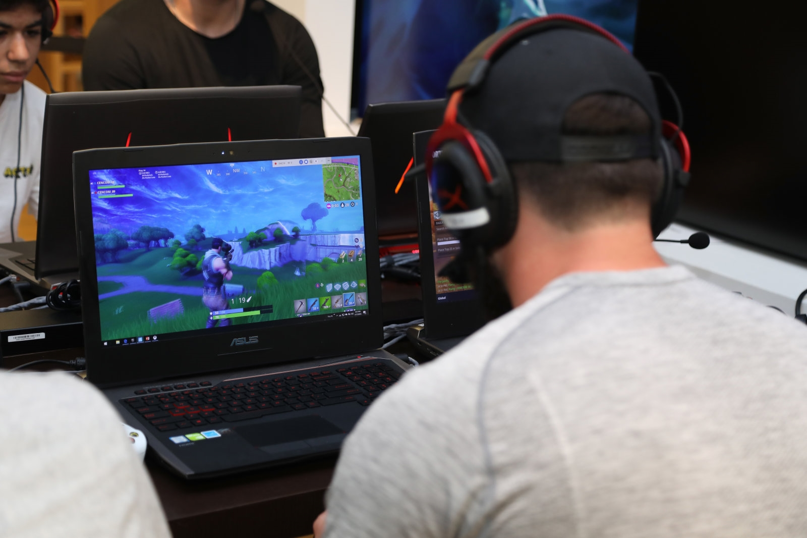 'Fortnite' will reward creators when you buy in-game items | DeviceDaily.com