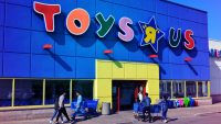 """As shoppers hunt for a Toys """"R"""" Us alternative, former employees get long-owed severance"""