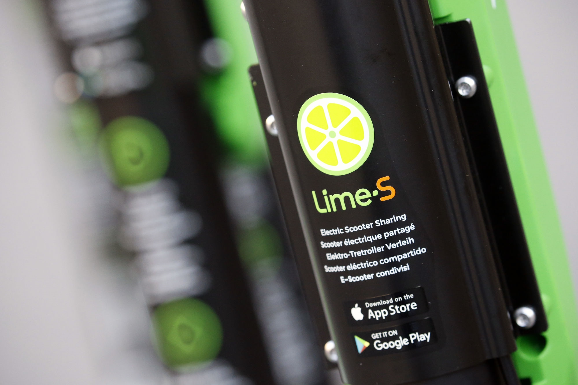 Lime removes some Segway scooters from fleet due to battery fires | DeviceDaily.com