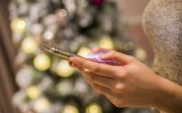 Smartphones Account For 48% Of Retail Site Visits Before Holiday Weekend