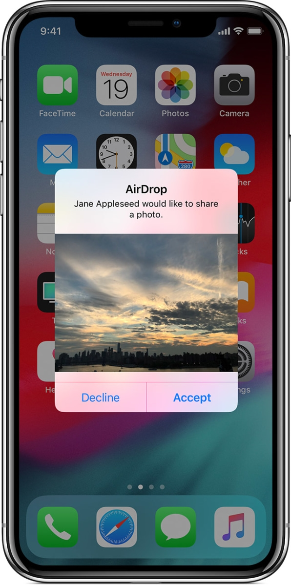 """How Apple could easily fix the iPhone's """"cyber flashing"""" problem 