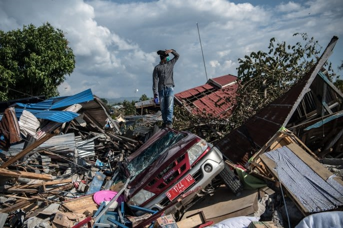 These photos capture the devastation of a year of natural disasters | DeviceDaily.com