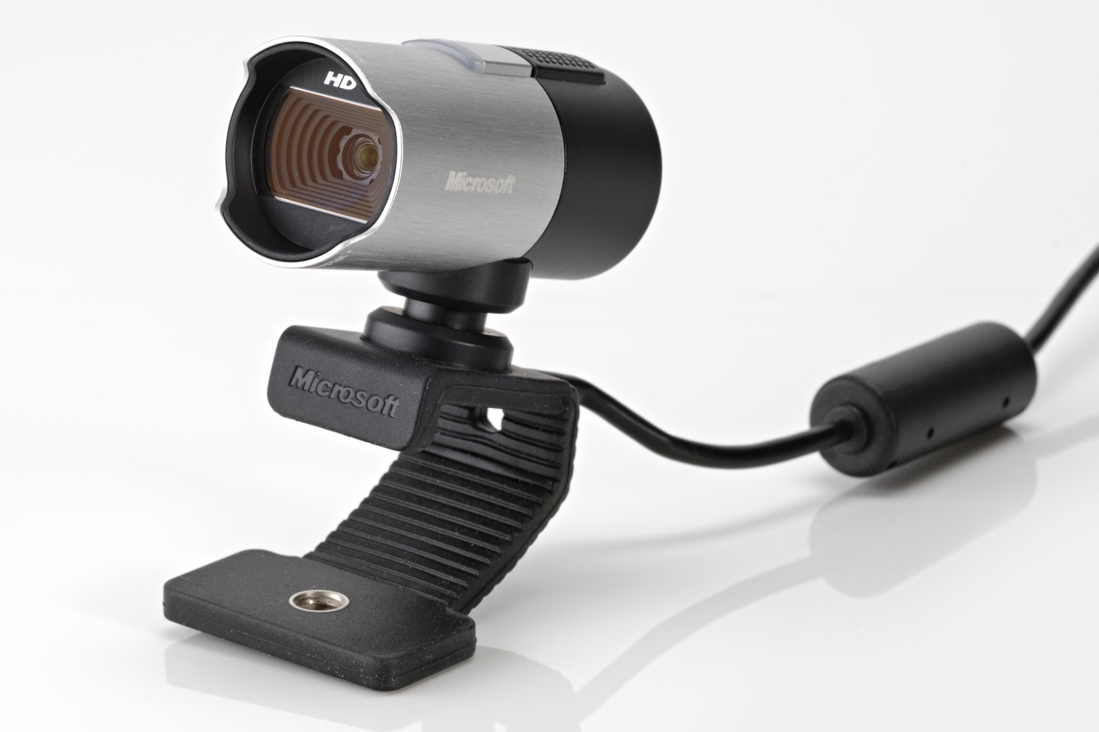 Microsoft's first webcams in years might include Xbox One support | DeviceDaily.com