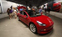 Tesla puts more cars on sale to maximize $7,500 EV tax credit
