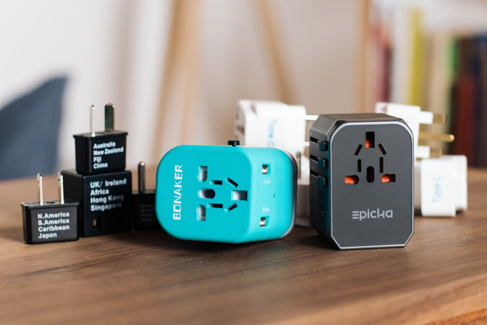 The best travel plug adapter | DeviceDaily.com