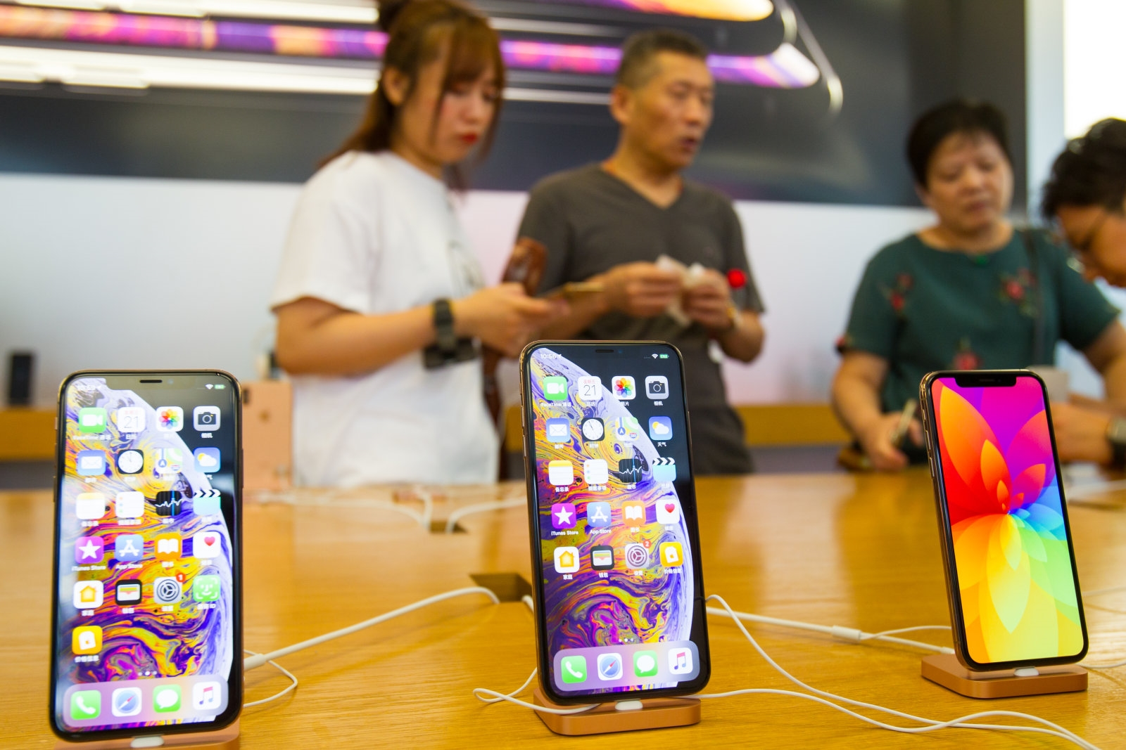 Apple blames China struggles and slow iPhone upgrades for earnings miss | DeviceDaily.com
