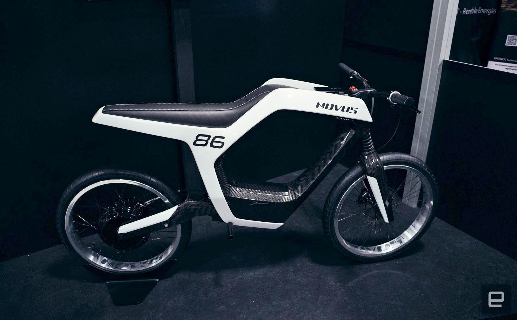 Novus' $35,000 electric motorcycle oozes sinister style | DeviceDaily.com