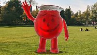 SNL drinks the Kool-Aid for that controversial Gillette ad