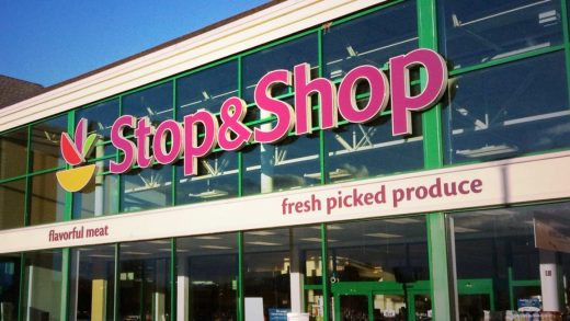 Stop & Shop gets 500 googly eyed robots so humans will know where to clean up