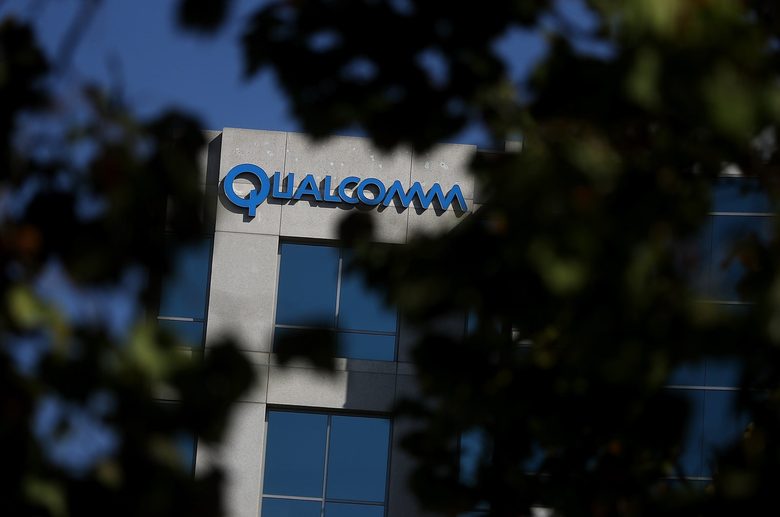 The FTC's antitrust trial against Qualcomm has begun | DeviceDaily.com