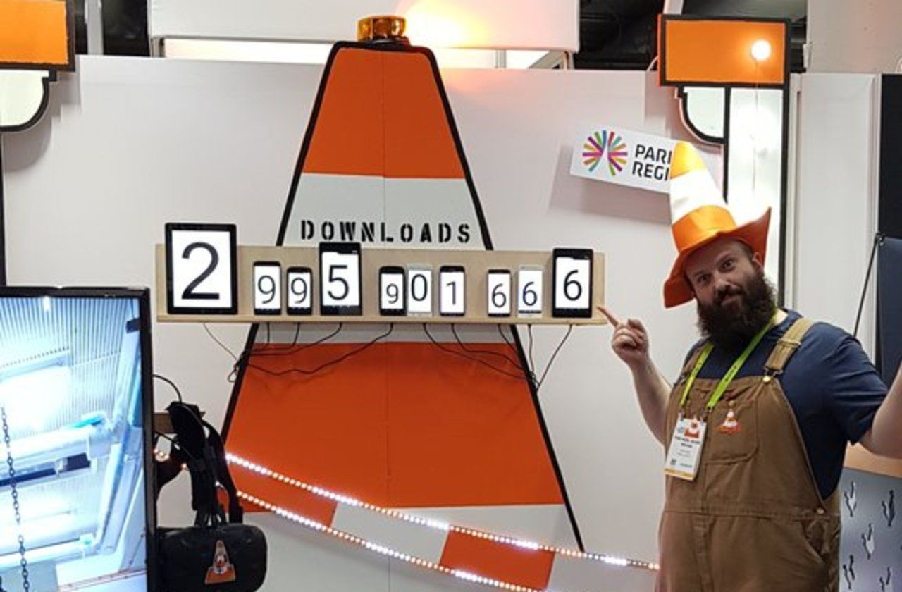 VLC reaches three billion downloads, will soon add AirPlay | DeviceDaily.com
