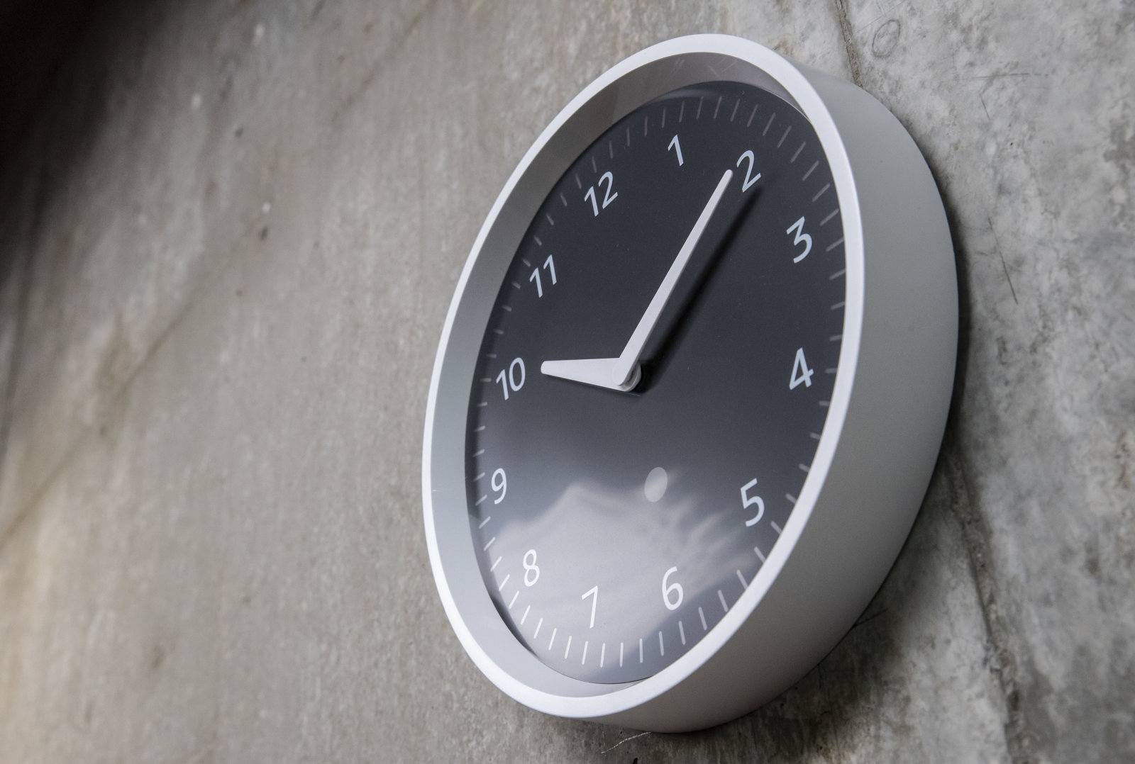 Amazon's Echo Wall Clock is back on sale after connectivity fix | DeviceDaily.com