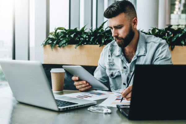 How Millennials Can Become Financially Independent   DeviceDaily.com