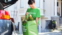 Reeling from algorithm glitch, Instacart institutes $3 minimum fee for drivers