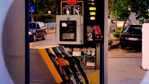 Secret Service warning: High-tech thieves can remotely skim credit cards at gas pumps