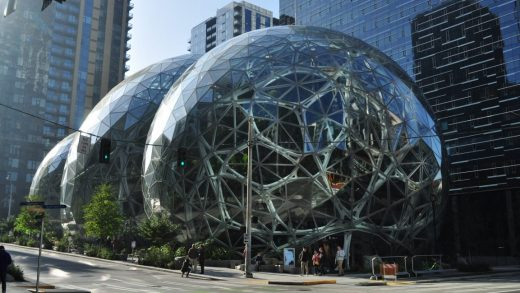 """Momazonians"" want Jeff Bezos to start offering daycare at Amazon"