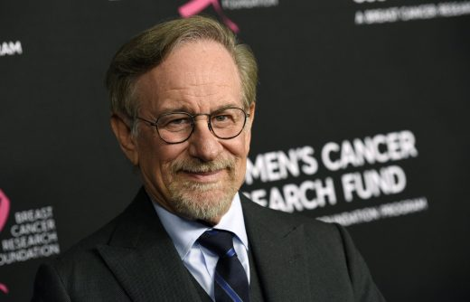 Spielberg to push for new Oscars rules that exclude streaming movies