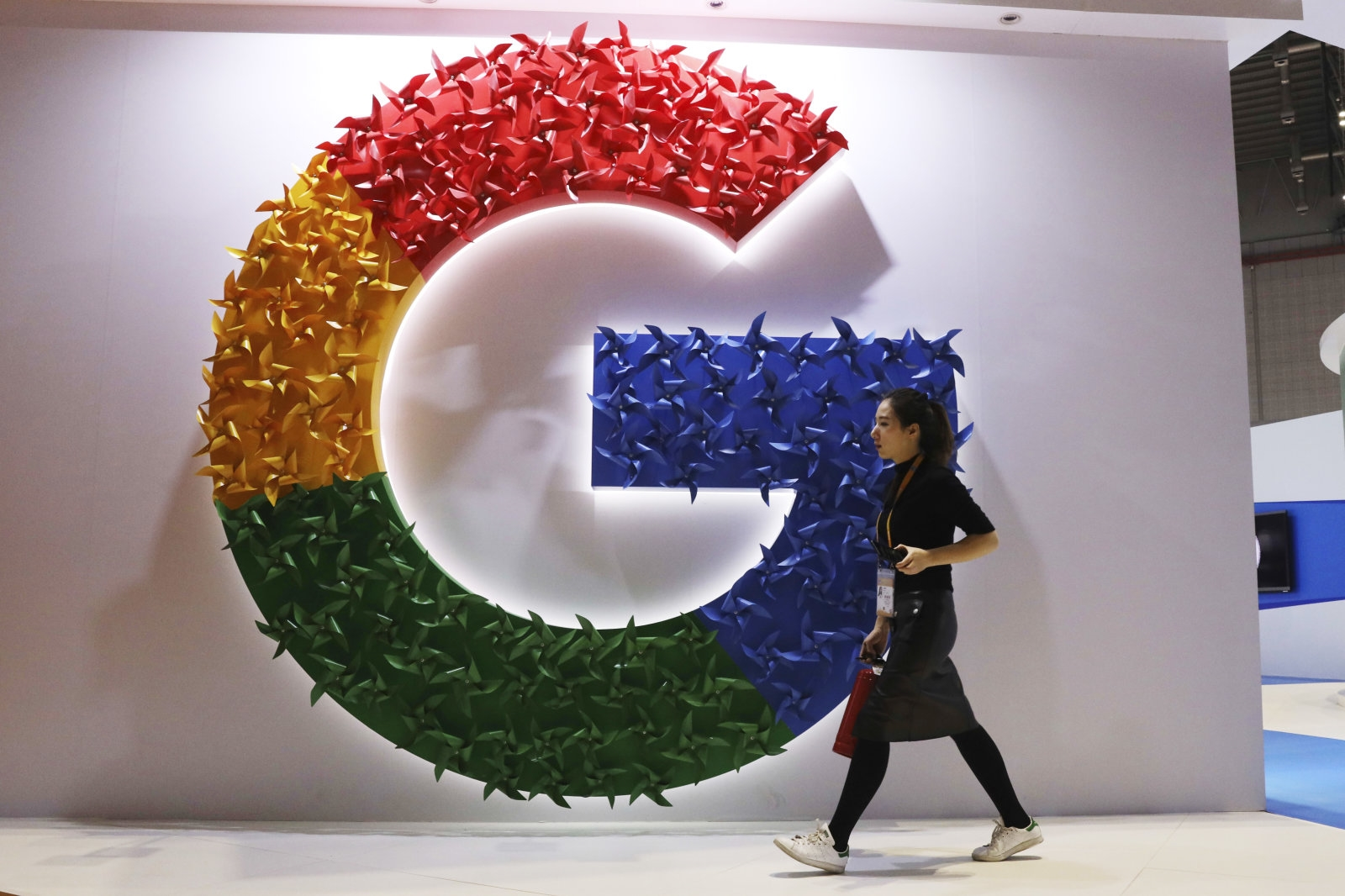 Google sets baseline standards for temp workers after outcry | DeviceDaily.com