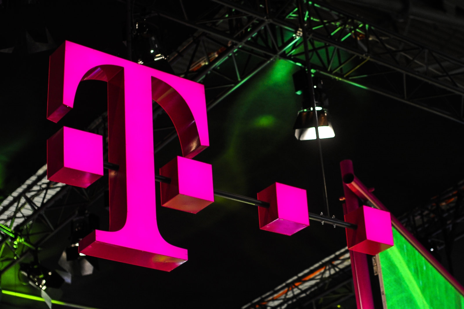 T-Mobile's streaming TV service will include Viacom channels | DeviceDaily.com