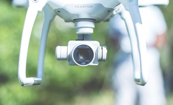 A Guide to Drone Filming | DeviceDaily.com