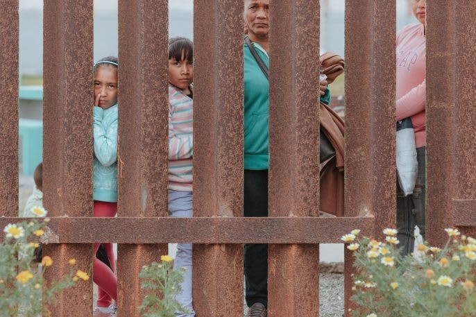 These photos of the U.S.-Mexico border show that reality is very different from the rhetoric   DeviceDaily.com