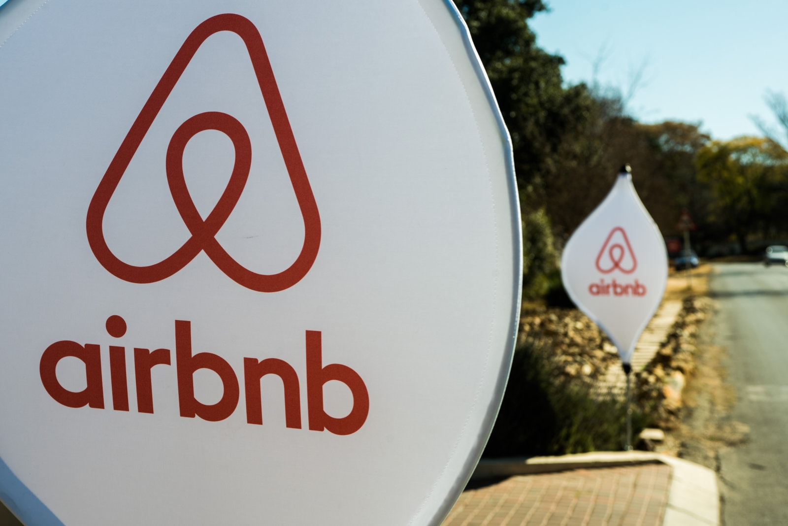 Airbnb introduces Donations to help with temporary housing | DeviceDaily.com