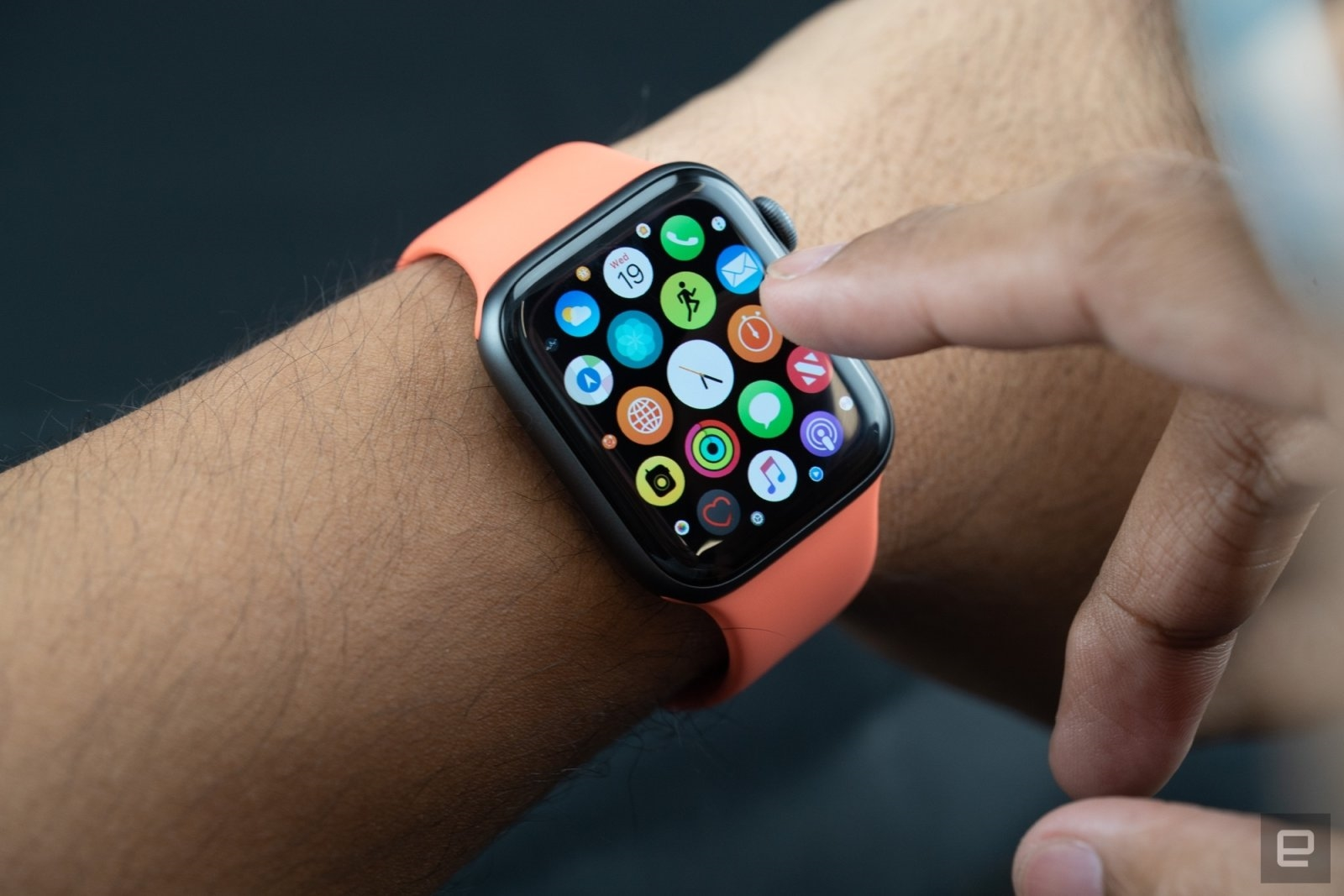 Apple Watch may soon get an on-device App Store | DeviceDaily.com