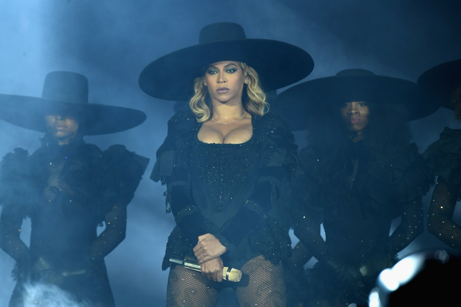 Beyoncé's 'Lemonade' hits Spotify and Apple Music three years late | DeviceDaily.com