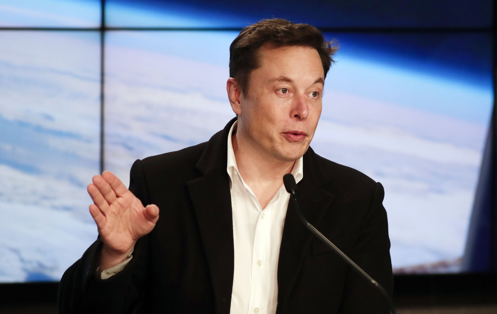 Elon Musk shows SpaceX's first internet satellites ready for launch | DeviceDaily.com