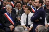 France launches government chat app after fixing last-minute flaw