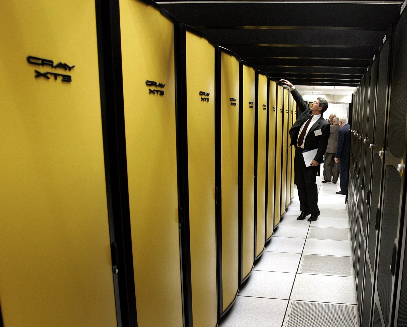 HP Enterprise is acquiring supercomputing giant Cray | DeviceDaily.com