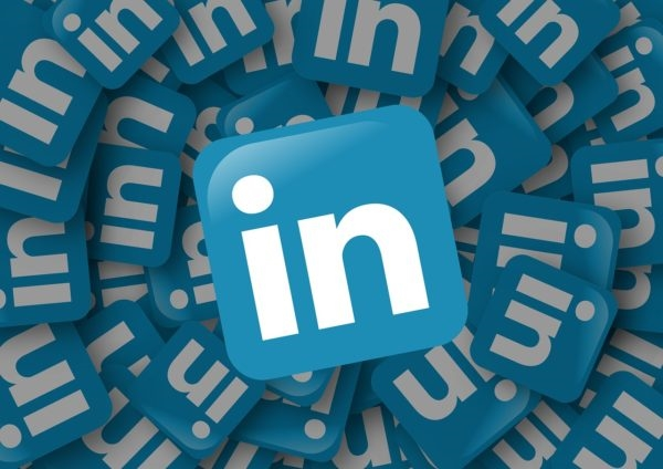LinkedIn Rolling Out Reaction Buttons | DeviceDaily.com