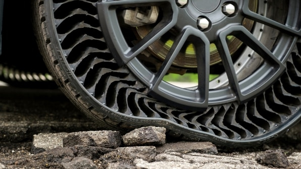 Michelin's ingenious new tires ensure you'll never get a flat again | DeviceDaily.com