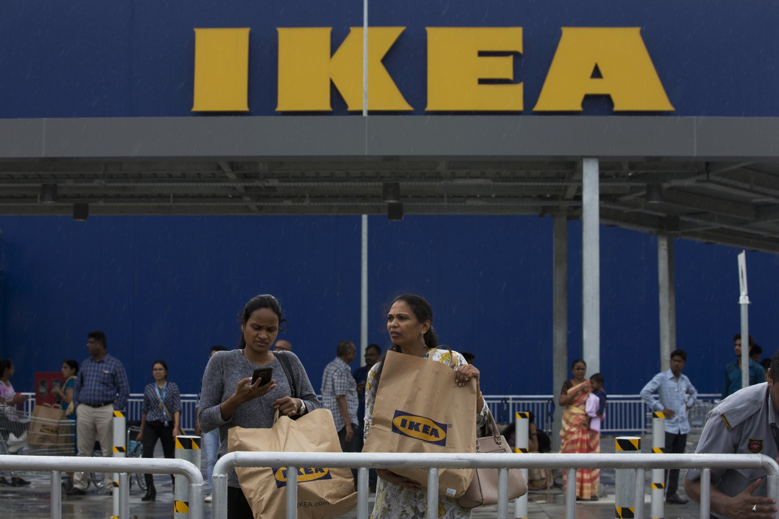 IKEA will finally offer online shopping through mobile apps   DeviceDaily.com