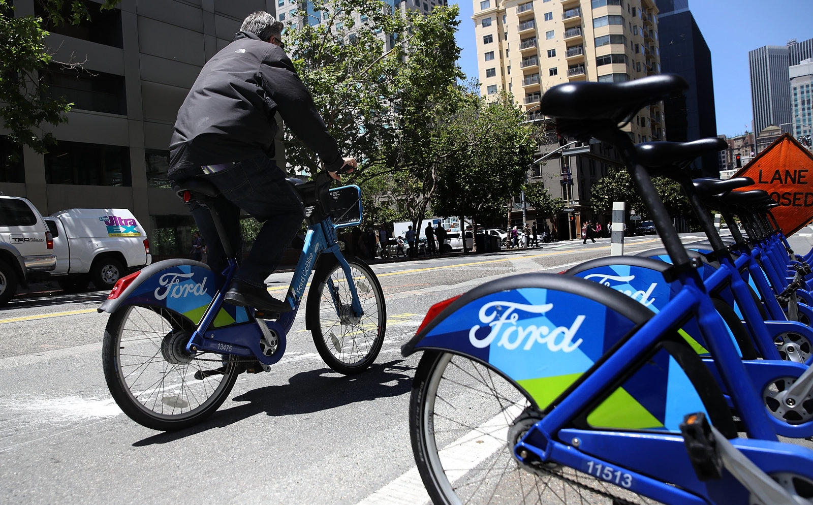 Lyft sues San Francisco to block rival bike-sharing services   DeviceDaily.com