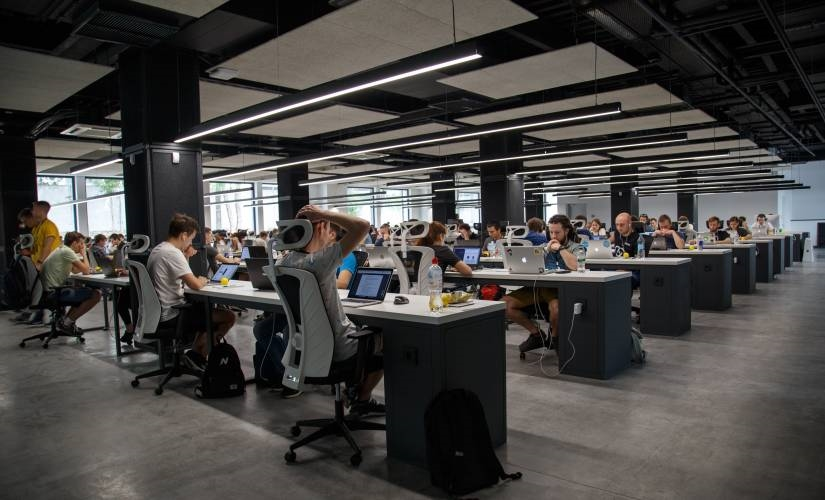 Open Plan Offices Kill Productivity. Here's What to Do Instead.   DeviceDaily.com