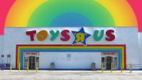 Toys 'R' Us is back, and it's smaller than ever