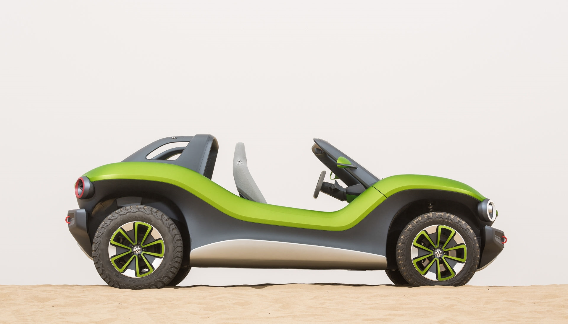 Behind the wheel of VW's electric dune buggy prototype | DeviceDaily.com