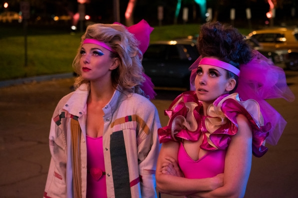 The creators of Netflix's 'GLOW' explain what you need to know before bingeing on season 3 | DeviceDaily.com