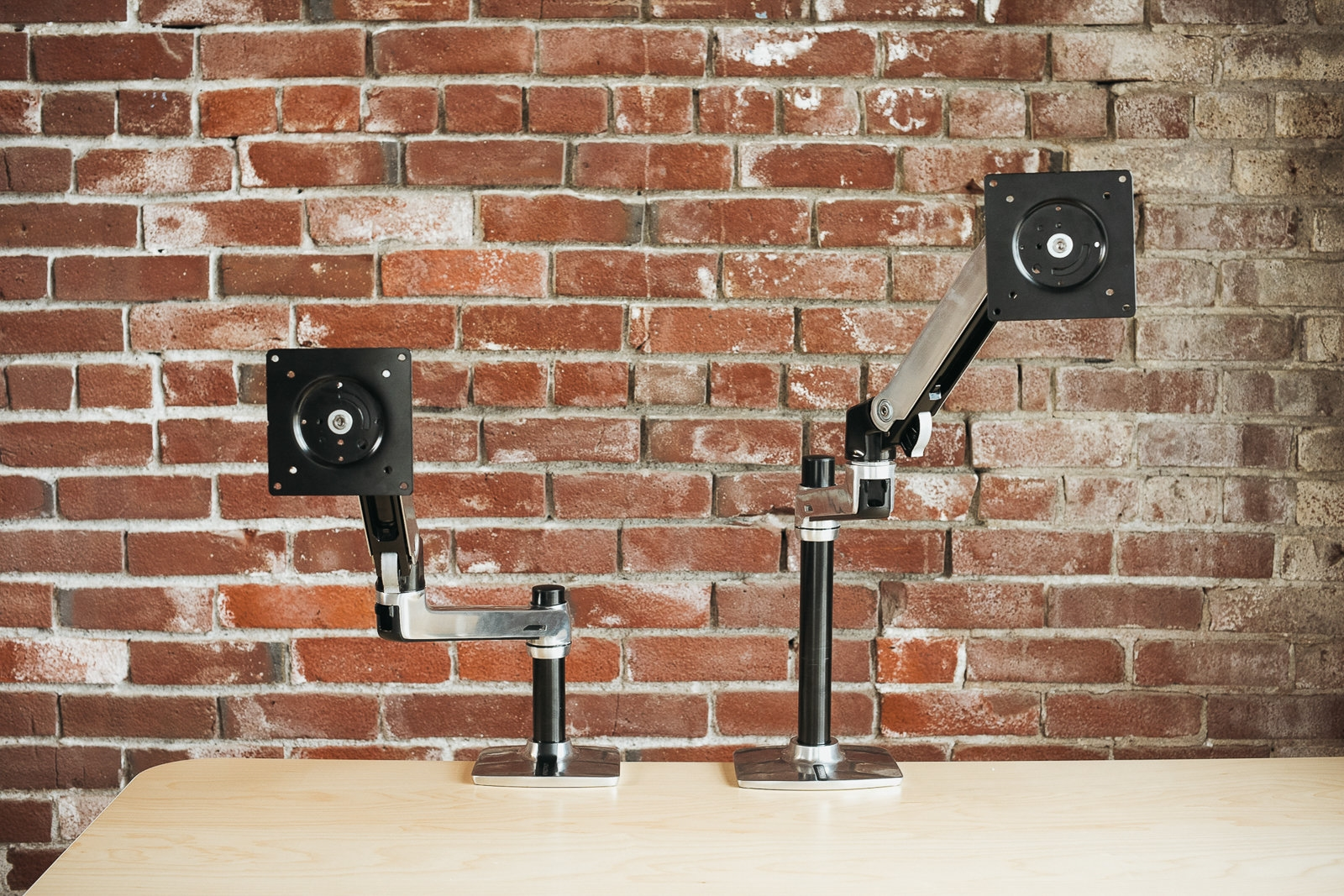 The best monitor arms | DeviceDaily.com