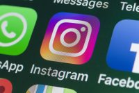 Facebook plans to put its name on Instagram, WhatsApp
