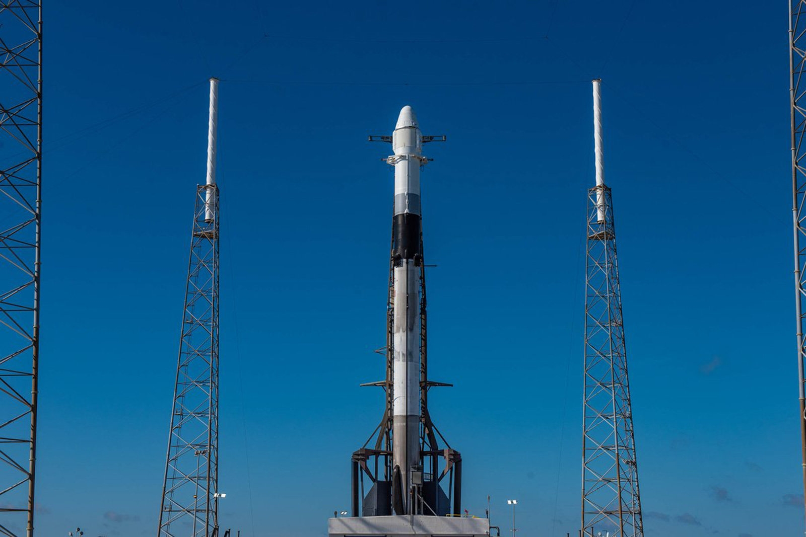 Watch SpaceX launch a twice-used Dragon capsule at 6:24PM ET (updated) | DeviceDaily.com