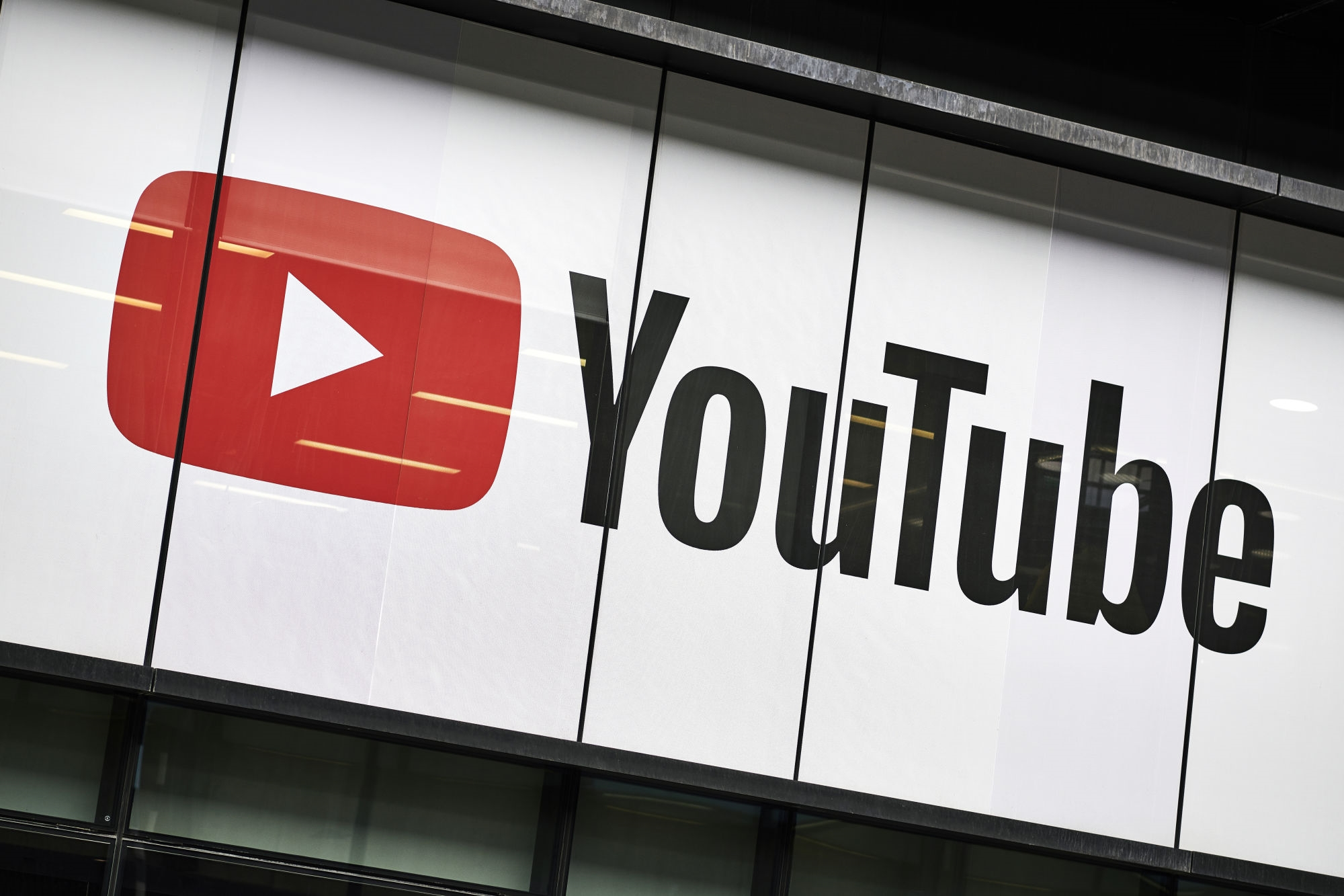 YouTubers are unionizing, and the site has 24 days to respond | DeviceDaily.com