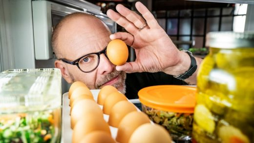 """Alton Brown explains why 'Good Eats: The Return' is """"the best work that I've ever done in my career"""""""