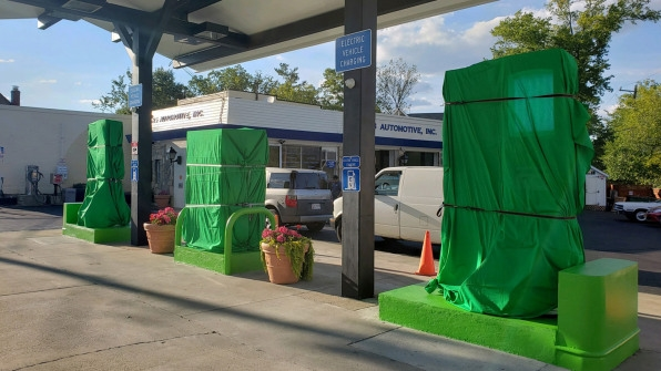 This gas station is the first in the U.S. to convert to all-electric vehicle chargers | DeviceDaily.com