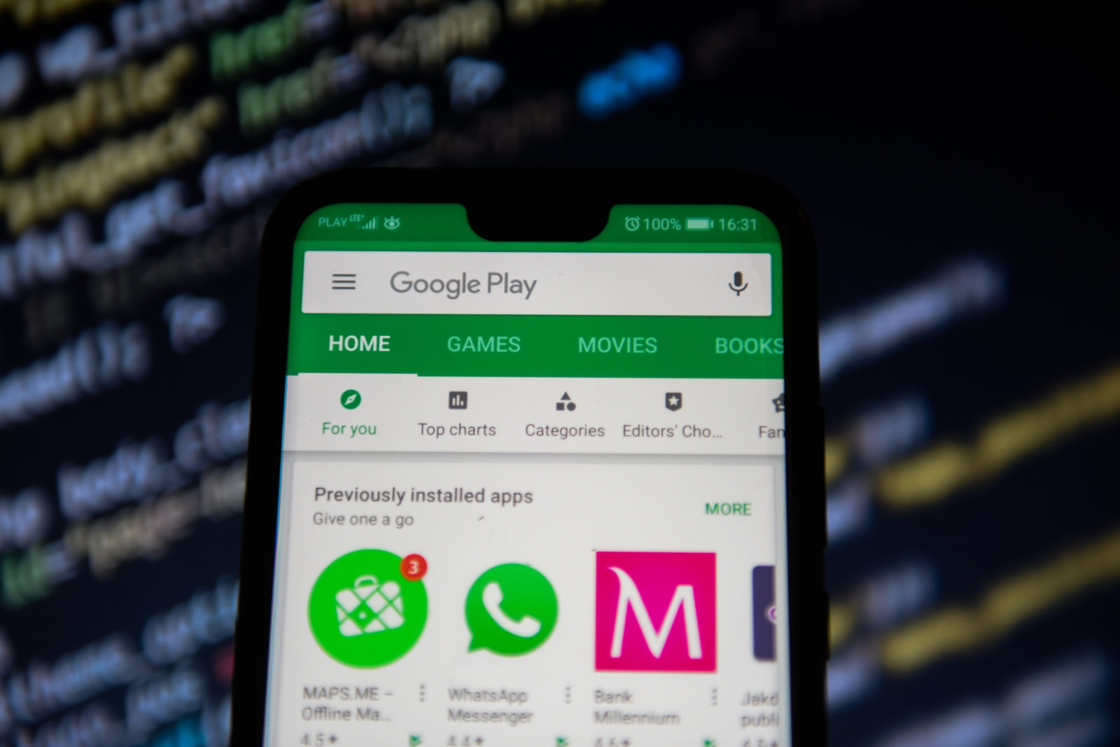 Google bans predatory payday loan apps from the Play Store | DeviceDaily.com